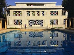 La Villa Empain colorisée par Buren